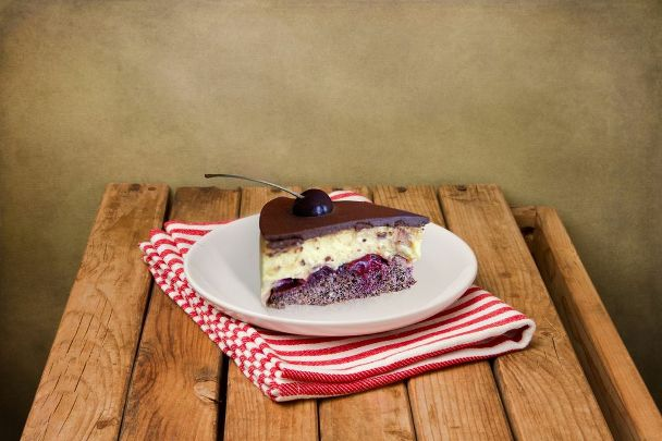 Creamy Cake with Cherries